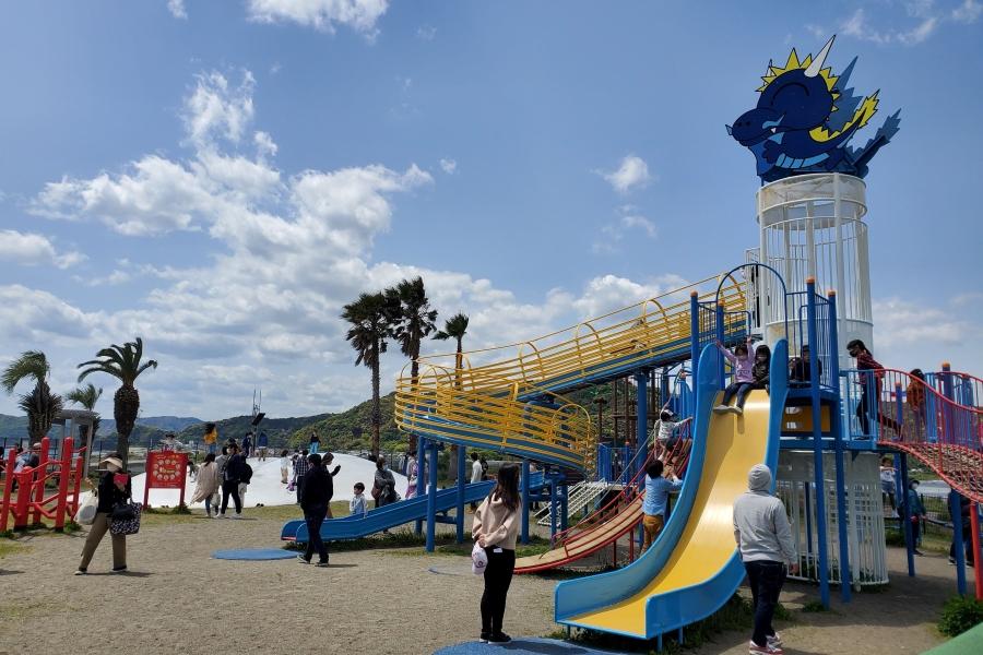 新居緑地公園 土佐市の海沿いにある公園。年代別に楽しめます