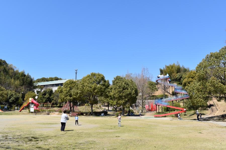 高知県立春野総合運動公園 全長100メートルのローラースライダーが人気