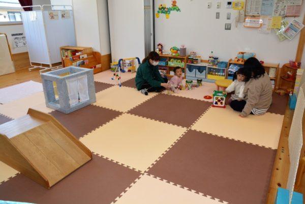 高知市地域子育て支援センター「おおつ・にじいろひろば」
