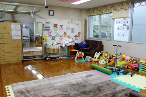 三原村子育て支援センター「まんま」
