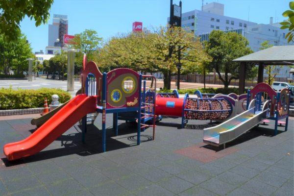 中央公園 |高知市の中心街・帯屋町で買い物ついでに遊べます