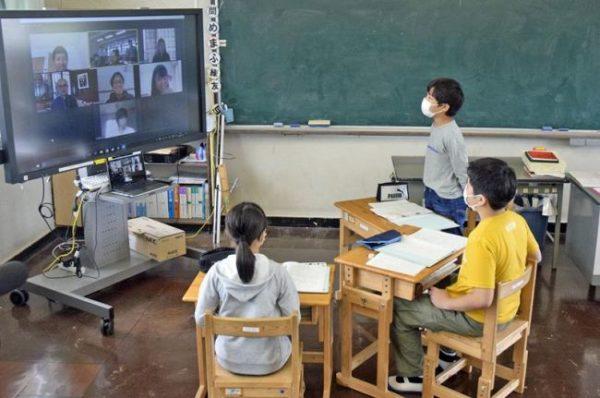 小学生の防災学習にもオンライン導入|京都大の教授らが興津小の児童に遠隔授業