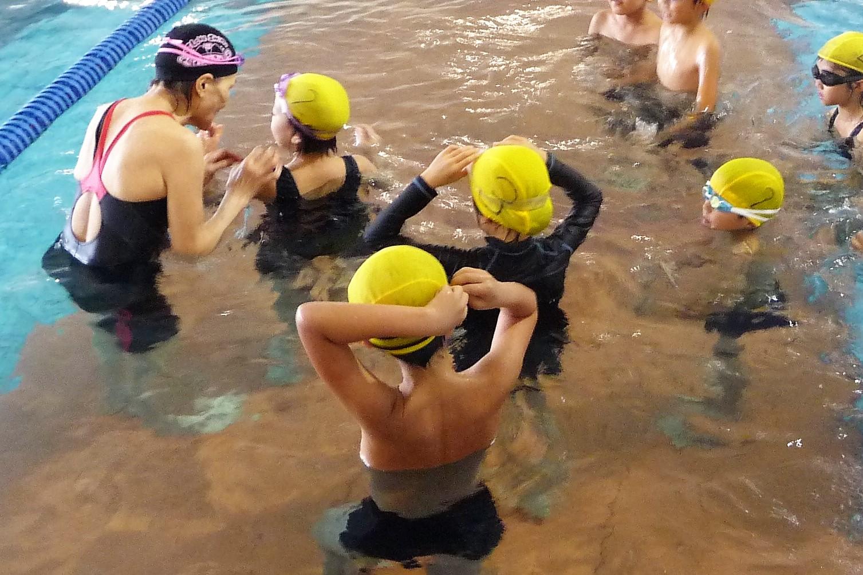25メートル泳げるようになろう!|高知県立県民体育館で「なつやすみ小学生水泳教室」