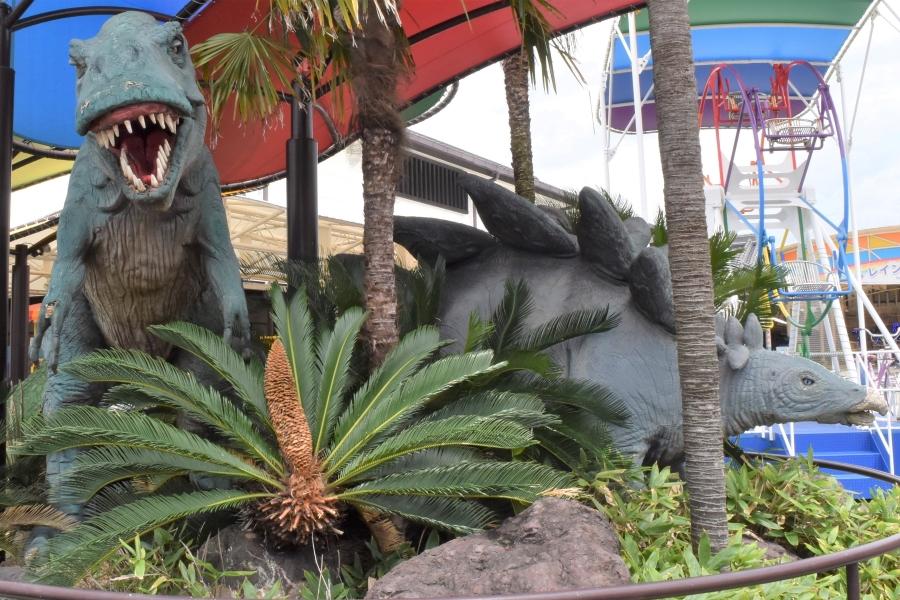 ティラノサウルスの歯が恐ろしい…