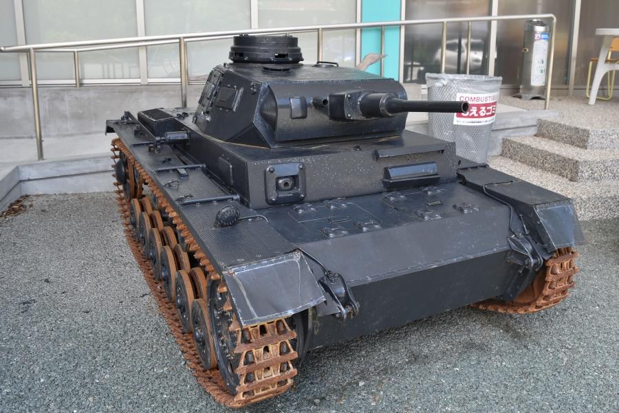 大人5人を乗せて走ることもできる戦車