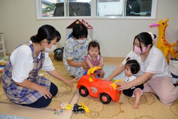 多機能型保育「らいーな」の子育て支援を紹介|子育て世代と地域の人が交流しています