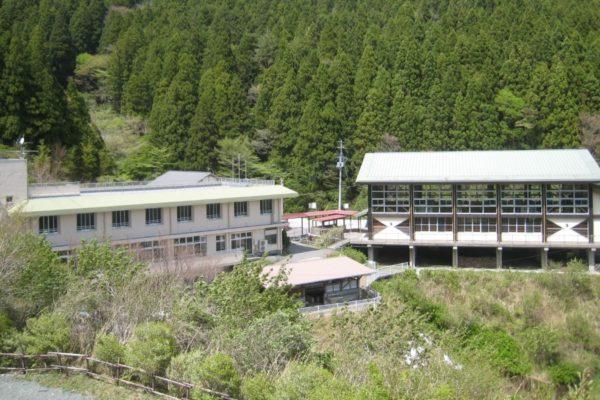 キャンプ未経験でも大丈夫|高知市工石山青少年の家で「工石山親子キャンプ」