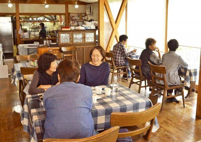 プレオープンしたレストラン(香美市の奥物部ふるさと物産館の「ふるさと厨房 ふぉれすと」)