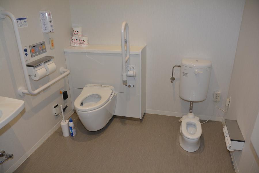 1階の多目的トイレ