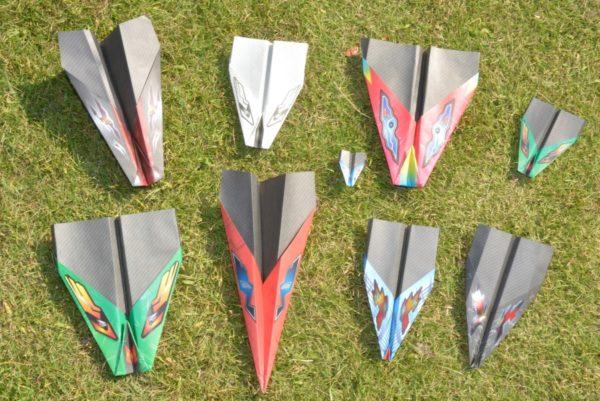 紙飛行機をもっと遠く、長く飛ばしたい!|折り紙キット「ハイタカ」を紹介します
