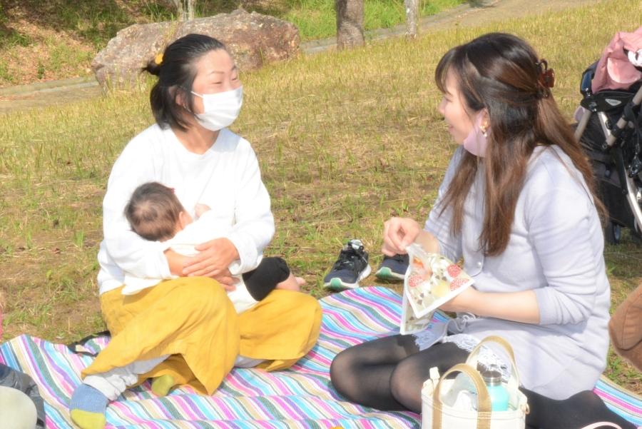 お母さんに「ほっこりできる時間」を|高知市で「はぐあすカフェ」が開かれました