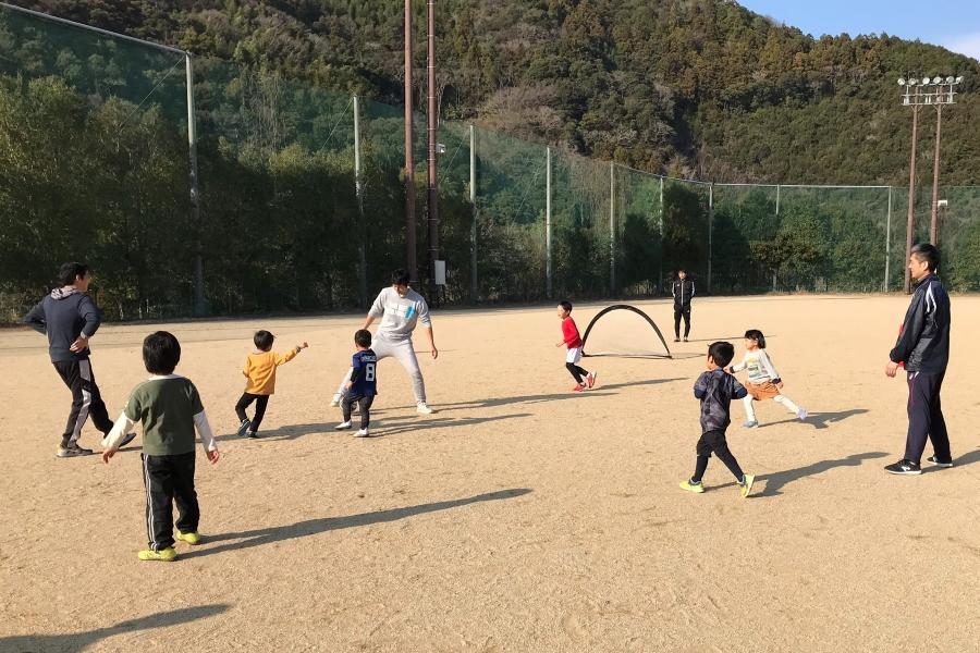 親子で身体を動かそう! 高知市城ノ平運動公園で「ふれあいスポーツ体験DAY」