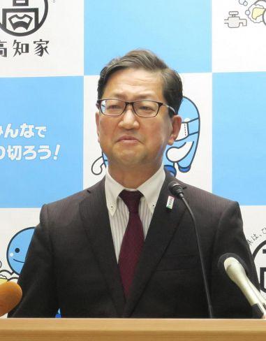 涙ながらに県民に呼び掛ける浜田省司知事(県庁)
