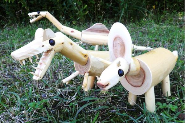 間伐材で動物や恐竜を作ろう!|香美市で「高芝工房展 ワークショップ」