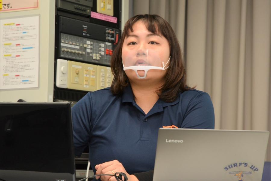講師の坂東早紀子さん。助産師で、2児のママです