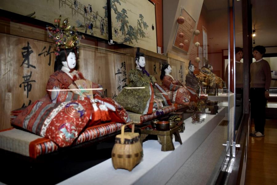 安芸市民のひな飾りを展示|安芸市立歴史民俗資料館で特別展「安芸のおひなさま」