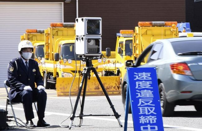 県警が使用を始める移動式オービス (南国市領石)