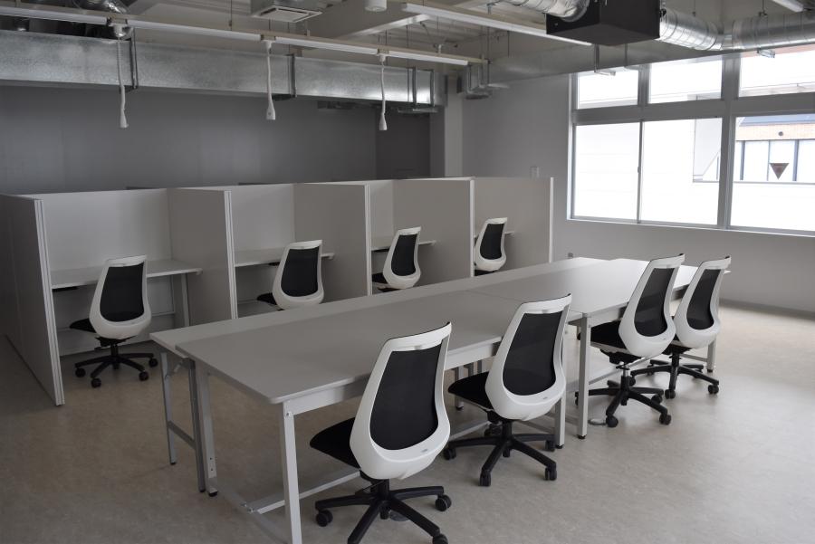 研修室の一つ。集中して作業ができます