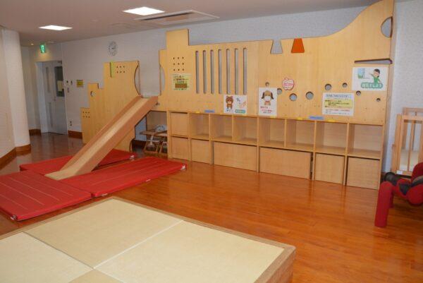 こうち男女共同参画センター「ソーレ」|乳幼児の親子にぴったり!すべり台のある託児室で過ごせます