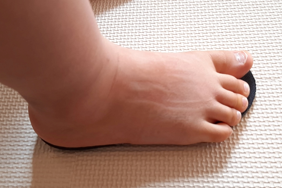 子どもの足はあっという間に大きくなります