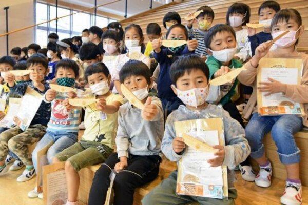 森や自然を大切に!土佐清水市の新1年生に木製の文房具プレゼント|週間高知の子どもニュース(2021年4月17~23日)