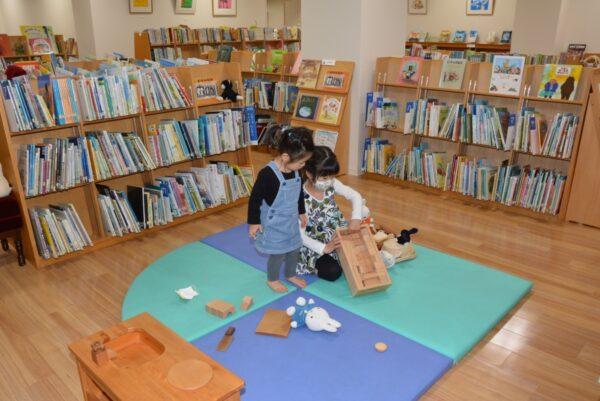 高知こどもの図書館|絵本を楽しみながら、親子でゆったり過ごせます