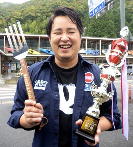 ステーキコンテストで優勝した川井集平さん(四万十市西土佐江川崎)