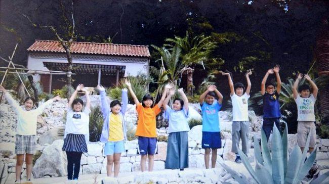児童が制作したモネの庭の魅力を紹介する映像の一場面