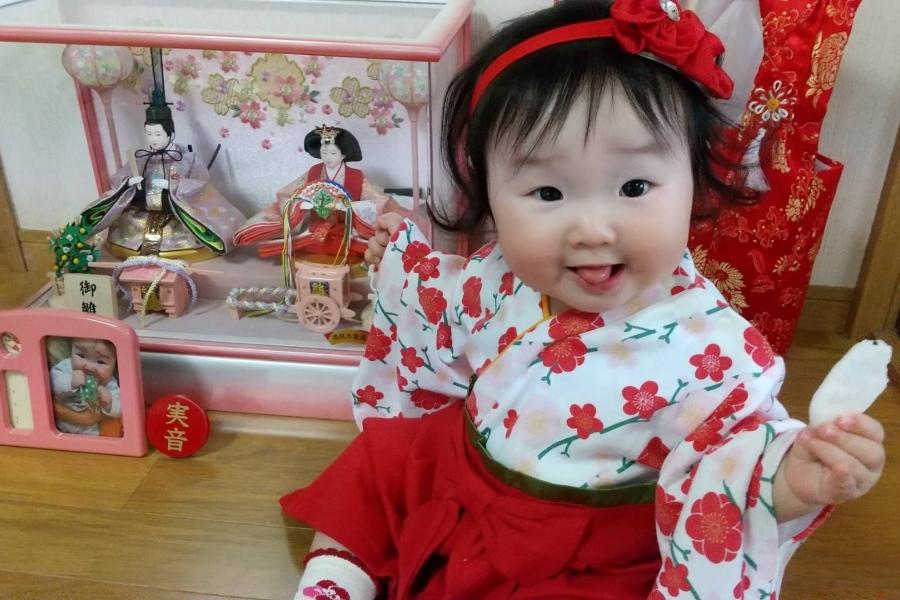 赤ちゃんせんべいで機嫌を取りながら、やっとの一枚だったそう。良い笑顔が撮れました!