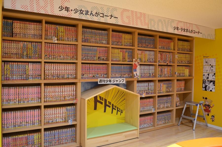 本棚に並びきらず、倉庫にある場合も。スタッフさんに聞いてみてください