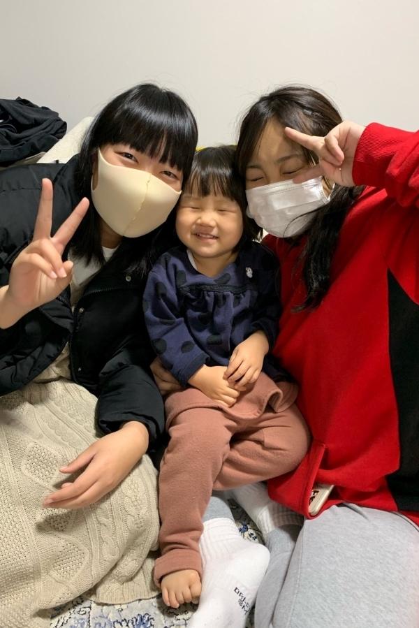 お姉さんたちに囲まれて、幸せ~