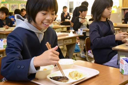 和牛、メロン…小中給食に豪華高知食材が並びました|週間高知の子どもニュース(2021年6月12~18日)