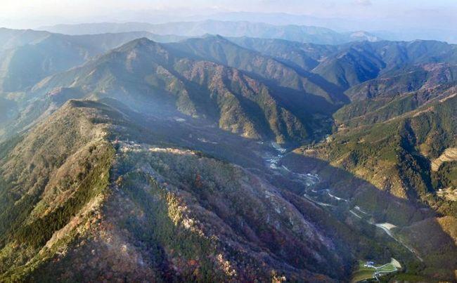 石灰鉱山の開発が計画されている高知市の鏡吉原地区(昨年12月)