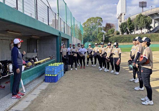 昨年12月、春野で強化合宿を行うソフトボール女子日本代表(春野運動公園=日本ソフトボール協会提供)