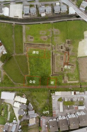 今回の調査で判明した野中廃寺の伽藍配置=南国市教委提供(写真はいずれも南国市元町1丁目)