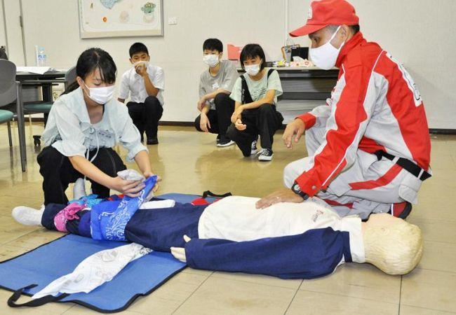 けが人を「助けられる人」になろう!「防災いのぐ記者」が応急手当を学びました