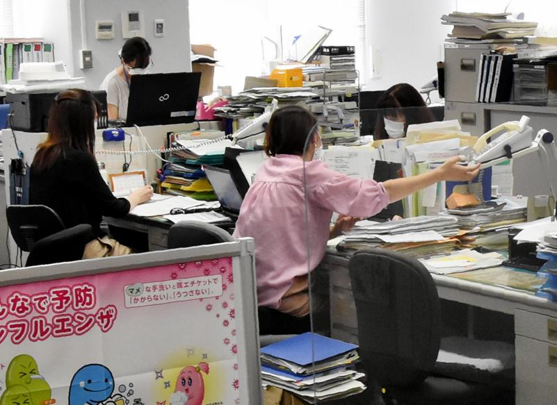 感染者急増で業務が逼迫する高知市保健所(高知市丸ノ内1丁目)