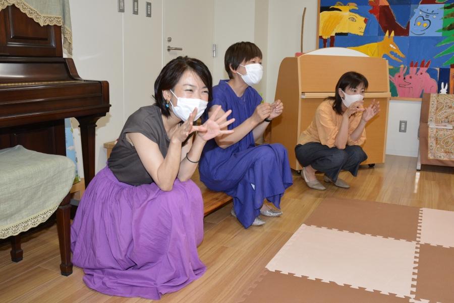 (左から)尾崎美樹さん、長谷川恵子さん、花房果子さん