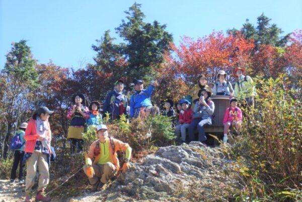 高知市工石山青少年の家で「紅葉を楽しむ秋の登山」|山登りで秋を感じませんか?